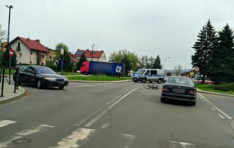 Rowerzysta trafił do szpitala po zderzeniu na ul. Kolejowej