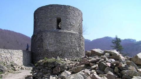 ruiny zamku w Rytrze