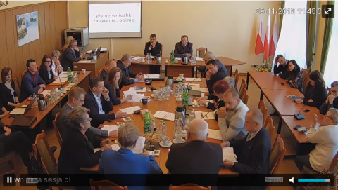 Piwniczna-Zdrój: Nie można zwolnić zastępcy przegranego burmistrza, bo został radnym?