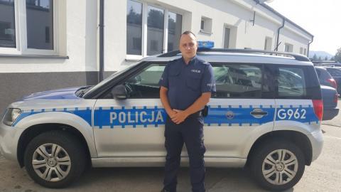 Policjant po godzinach służby pomógł gasić pożar