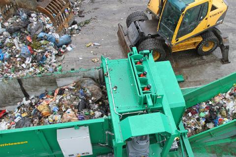 Dają miliony na śmieciowy biznes na Sądecczyźnie