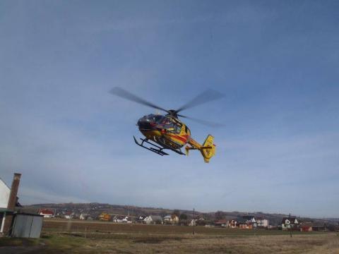 Samochód potrącił dziecko. Helikopter zabrał chłopczyka do szpitala