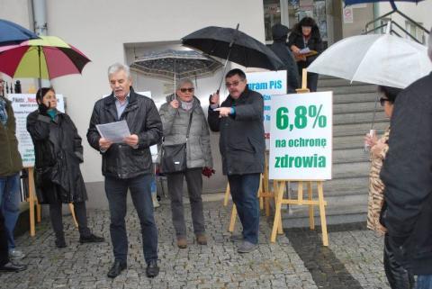 Protestowali przed sądeckim szpitalem