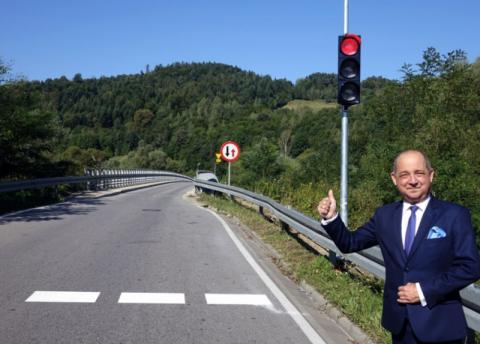 Uwaga! Przed mostami w Rożnowie i Witowicach są światła i wideodetektory