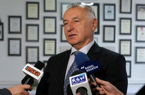 Czy nowy starosta Marek Kwiatkowski chwyci za miotłę w urzędzie?