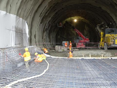 budują tunel na zakopiance