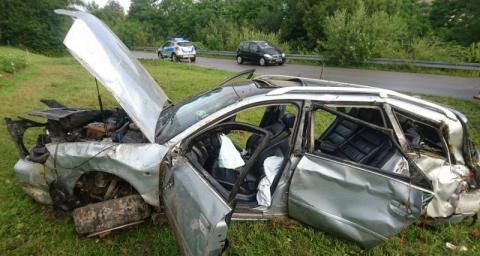 18-letnia Angelika jechała samochodem z bliźniakami. Który z nich kierował?
