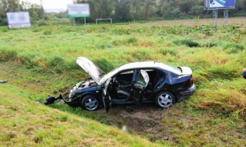 Samochód wpadł do rowu w Witowicach Dolnych
