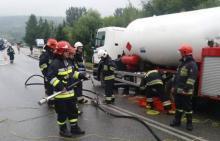 Wypadek na Juście: samochód zderzył się z cysterną, która przewoziła gaz
