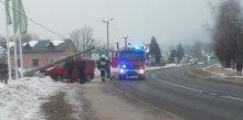latarnia spadła na samochód wypadek Łabowa