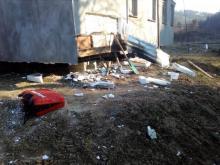 Bukowiec: Rok temu stracili dach nad głową. Teraz prawie doszło do kolejnej tragedii