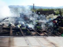 W Mostkach płonął budynek gospodarczy. W środku znajdowały się zwierzęta