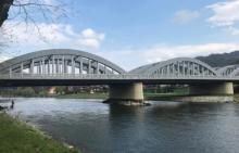 Wszedł na łuk mostu na Dunajcu, żeby… zrobić sobie selfie