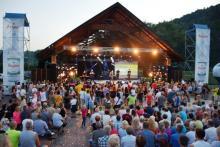 Muszyna: Festiwal Wód Mineralnych w słońcu i deszczu