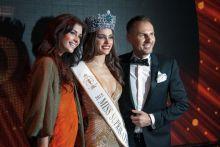 Uznanana za najpiękniejszą Stephania Vásquez Z Paragwaju ma 23 lata, 177 cm wzrostu i wymiary to 90-60-90.