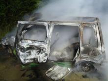 Spłonęły doszczętnie dwa auta, jednym podróżowało też dziecko. Co się stało?