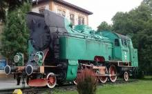 Stoi na stacji lokomotywa, tylko czyja? Bezimienny parowóz przy dworcu PKP