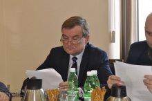 Chełmiec: Rodzice w szyku bojowym, ale to radni znokautowali wójta! [FILM]