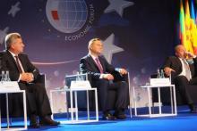 Forum Ekonomiczne wystartowało. Prezydent Duda piętnuje biurokratyczną machinę Unii Europejskiej