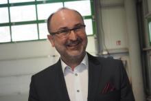 Z czego tak bardzo się cieszy się prezes Sądeckich Wodociągów Janusz Adamek