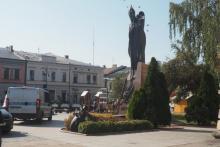 Z ostatniej chwili: mężczyzna znieważył pomnik Jana Pawła II