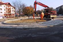 Rondo na skrzyżowaniu Sucharskiego, Hallera i Barskiej prawie gotowe. Kiedy pojadą tamtędy kierowcy?