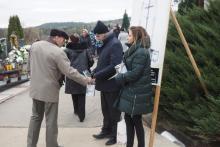 Sądeczanie hojnie wspierają ratowanie starych nagrobków i pomników