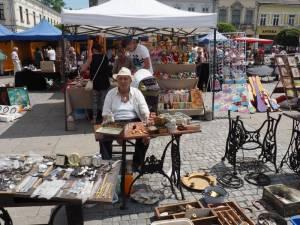 Targ staroci na nowosądeckim rynku
