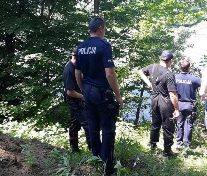 Tragedia w Gołkowicach. Strażacy wyłowili z Dunajca zwłoki [ZDJĘCIA]