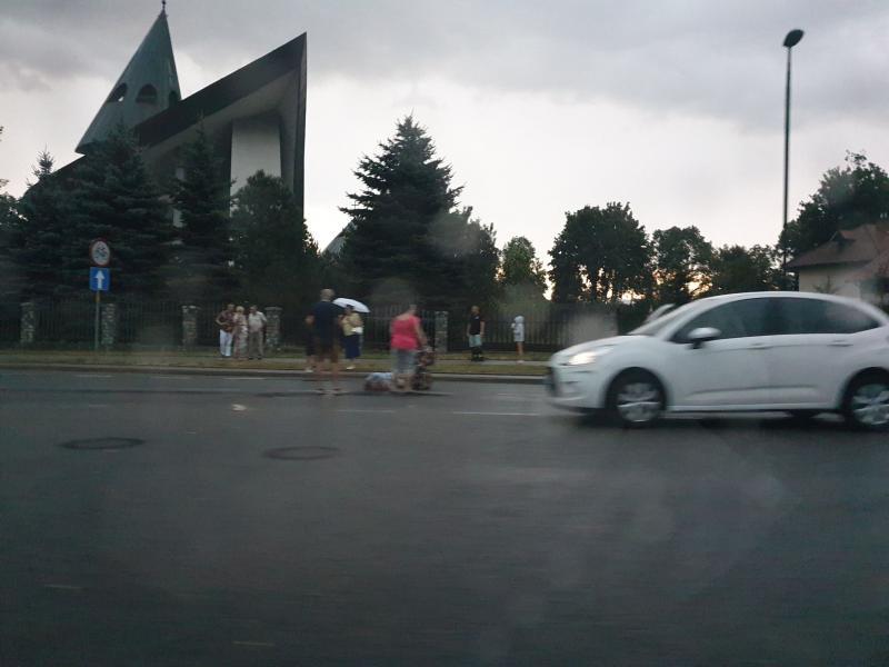 Potrącił kobietę na pasach. Był nietrzeźwy i miał zakaz prowadzenia pojazdów