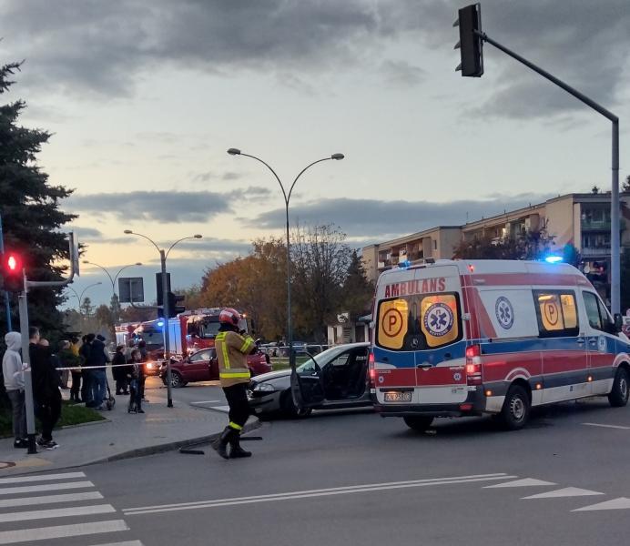 Tragiczny wypadek w Nowym Sączu. Nie żyje taksówkarz [ZDJĘCIA]