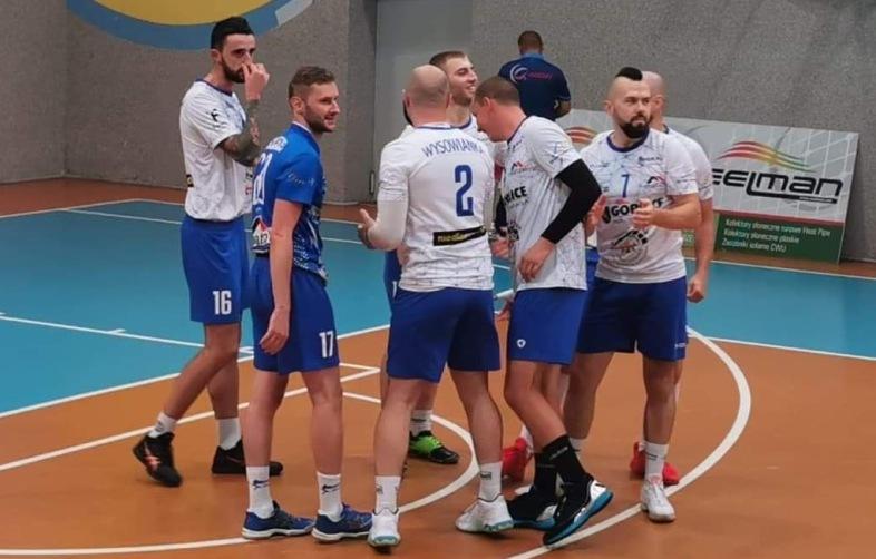 Historyczny debiut gorlickich siatkarzy w II lidze! Na początek porażka