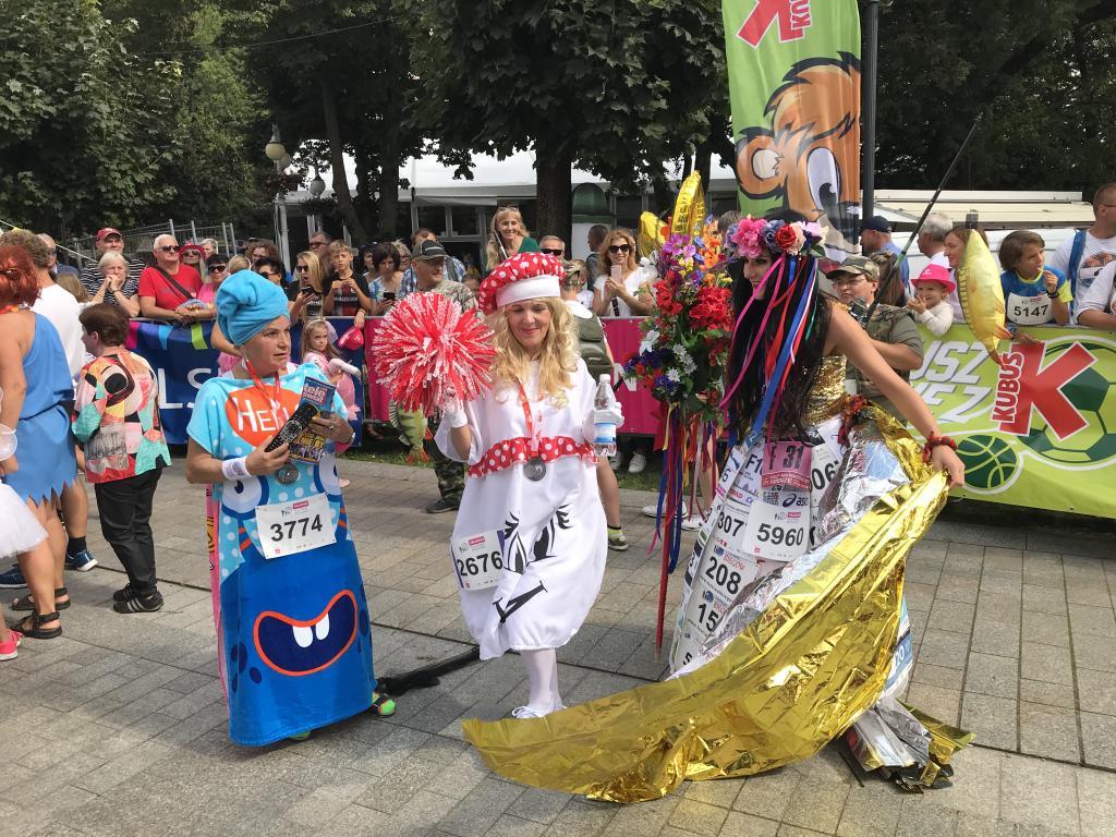 Bieg Przebierańców - fantastyczne stroje i uśmiechnięci biegacze