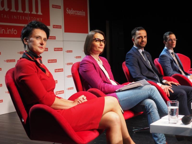 Wyborcza debata Sądeczanina: Urszula Nowogórska, Jagna Marczułajtis-Walczak, Jakub Bochyński i Andrzej Skupień