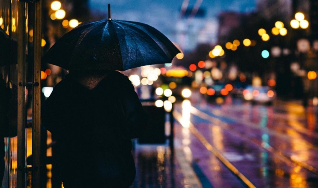 deszcz w mieście, fot. Pixabay