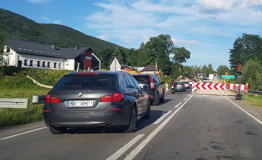 Budowa skrzyżowania w Maciejowej