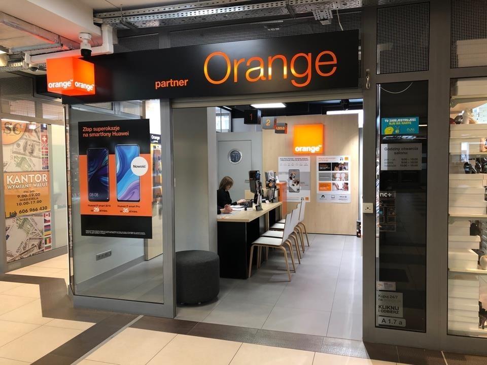 Orange Krynica-Zdrój, Kraszewskiego 1, Pasaż Krynicki, tel.: 18 262 08 20
