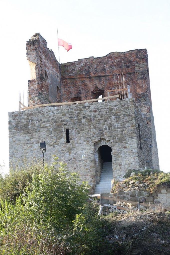 Zamek w Melsztynie odzyskuje dawny blask