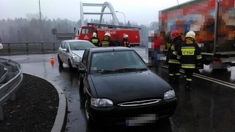 kolizja w Kadczy, zderzenie trzech samochodów