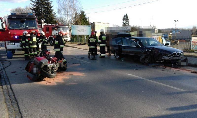 zderzenie samochodu osobowego i motocykla na ul. Krakowskiej ns