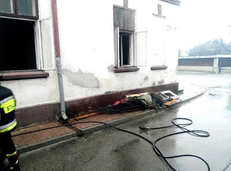 pożar mieszkania na ul. Mickiewicza w Starym Sączu