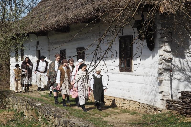 film o o. Stanisławie Papczyńskim skansen fot. Iga Michalec