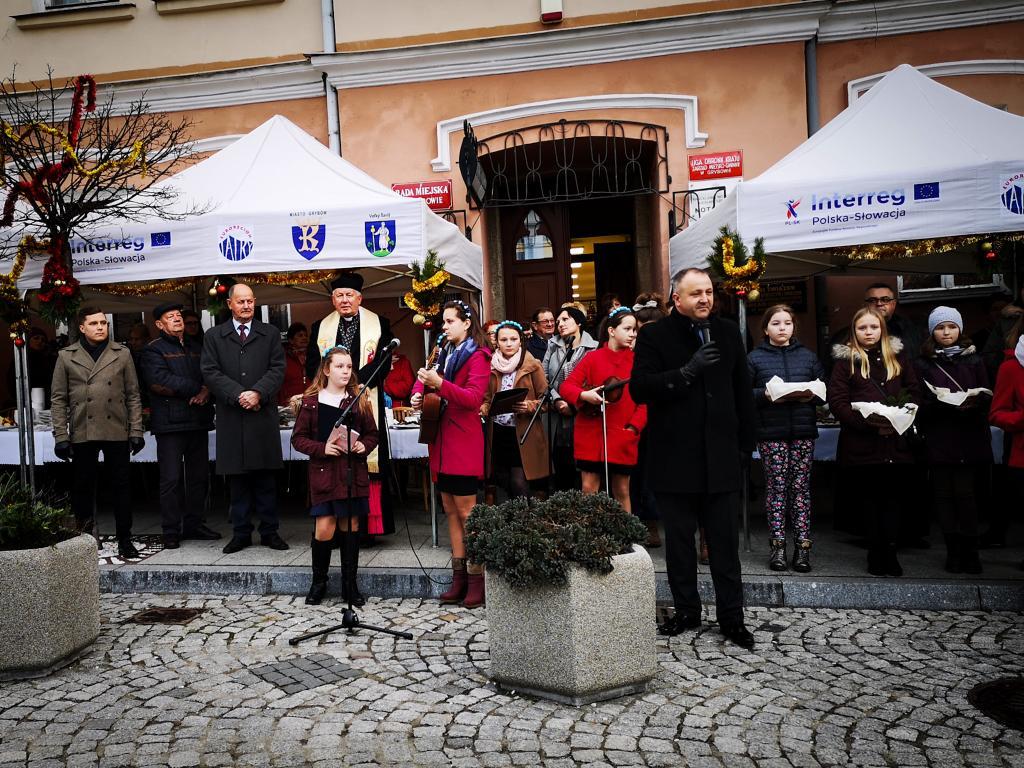 Burmistrz Miasta Grybów i Proboszcz Bazyliki Mniejszej w Grybowie, składają  świąteczne życzenia