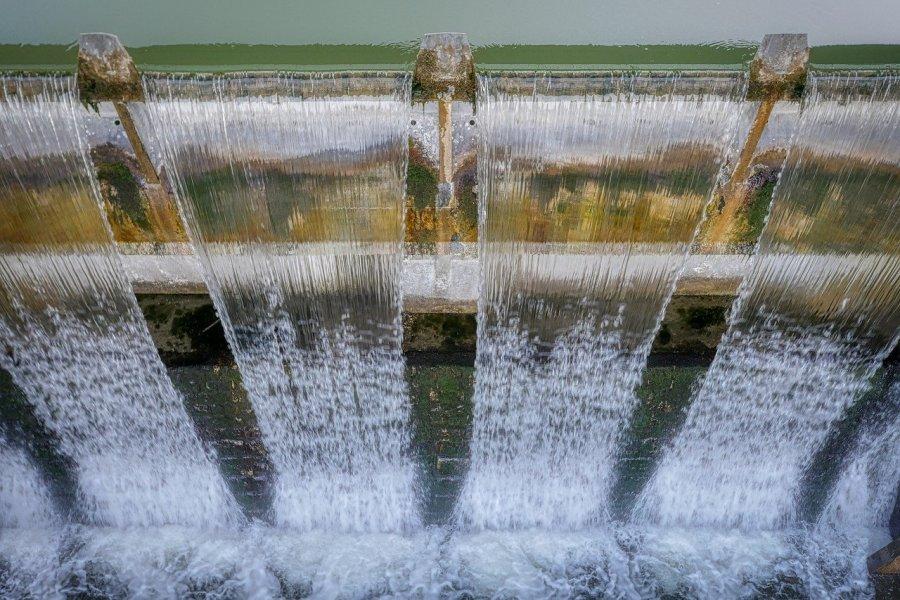 Radni z Bobowej rozwijają kanalizację i wodociągi