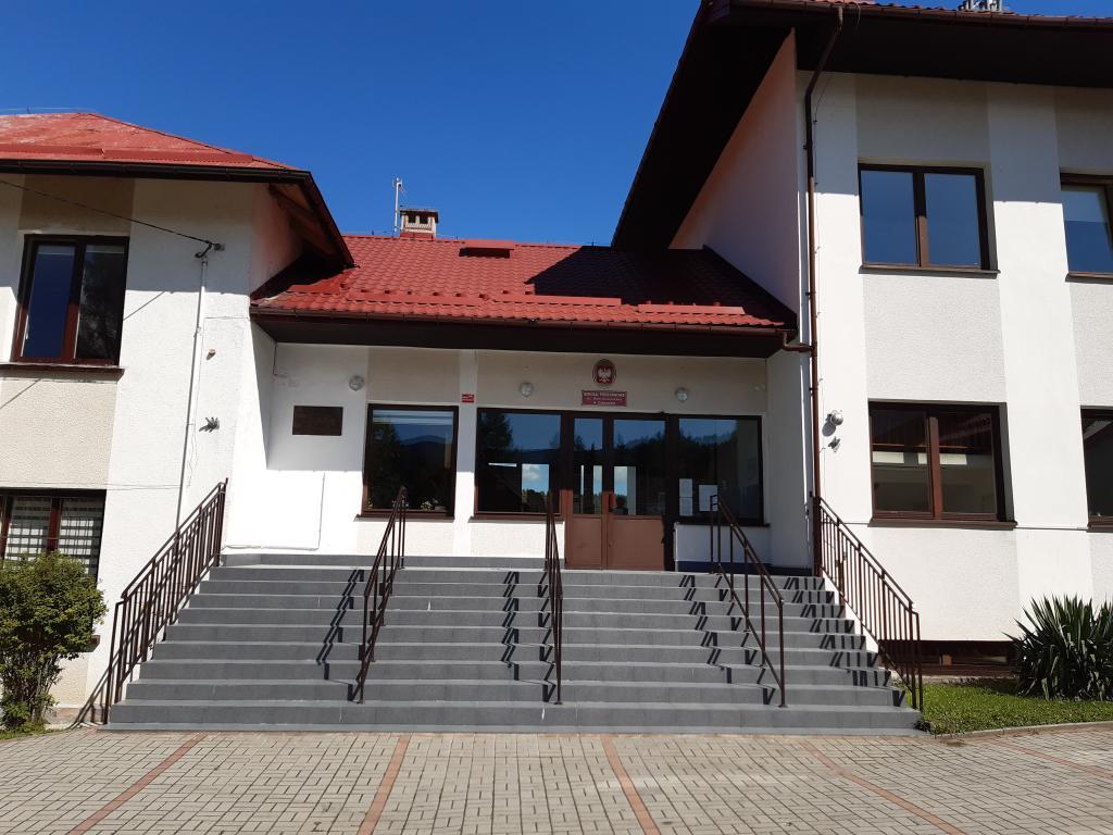 Szkoła Podstawowa w Czaczowie, fot. Sądeczanin