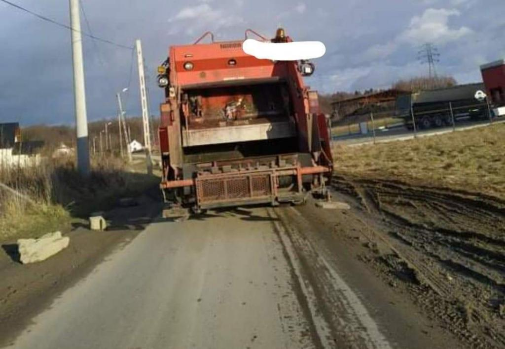 Miejski Zarząd Dróg w Nowym Sączu nie ma dziś środków na budowę chodnika wzdłuż ulicy Zakładników w Nowym Sączu. Co zatem z zagrożeniem, które stanowią tu dla mieszkańców ciężarówki firm działających przy tej drodze?