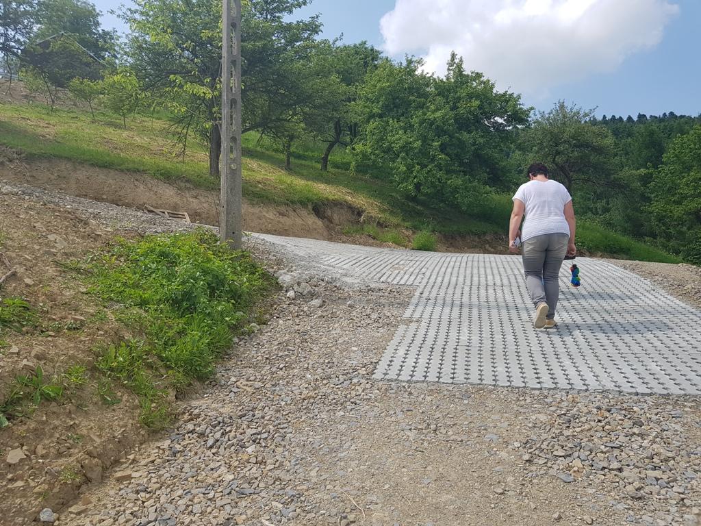 Ludzie nadal bez drogi. Sprawiedliwość omija gminę Chełmiec szerokim łukiem