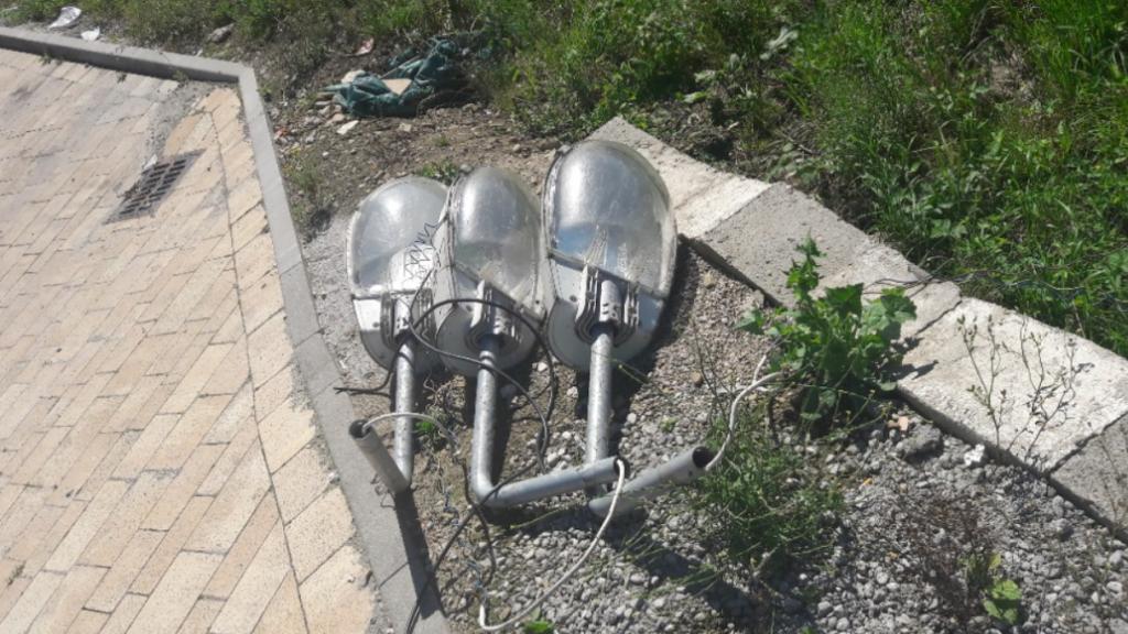 Powinni kończyć a jeszcze nawet nie zaczęli. Co z nowymi lampami w Podegrodziu?