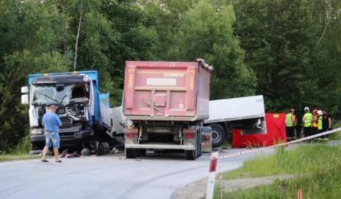 Jakaś straszna czarna seria na drodze. Znowu śmierć kierowcy ciężarówki ZDJĘCIA