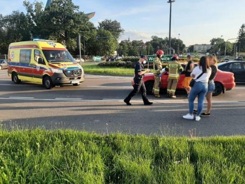 Znów wypadek na rondzie Solidarności. Jedna osoba trafiła do szpitala